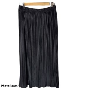 Anne Klein maxi coordain pleat black skirt